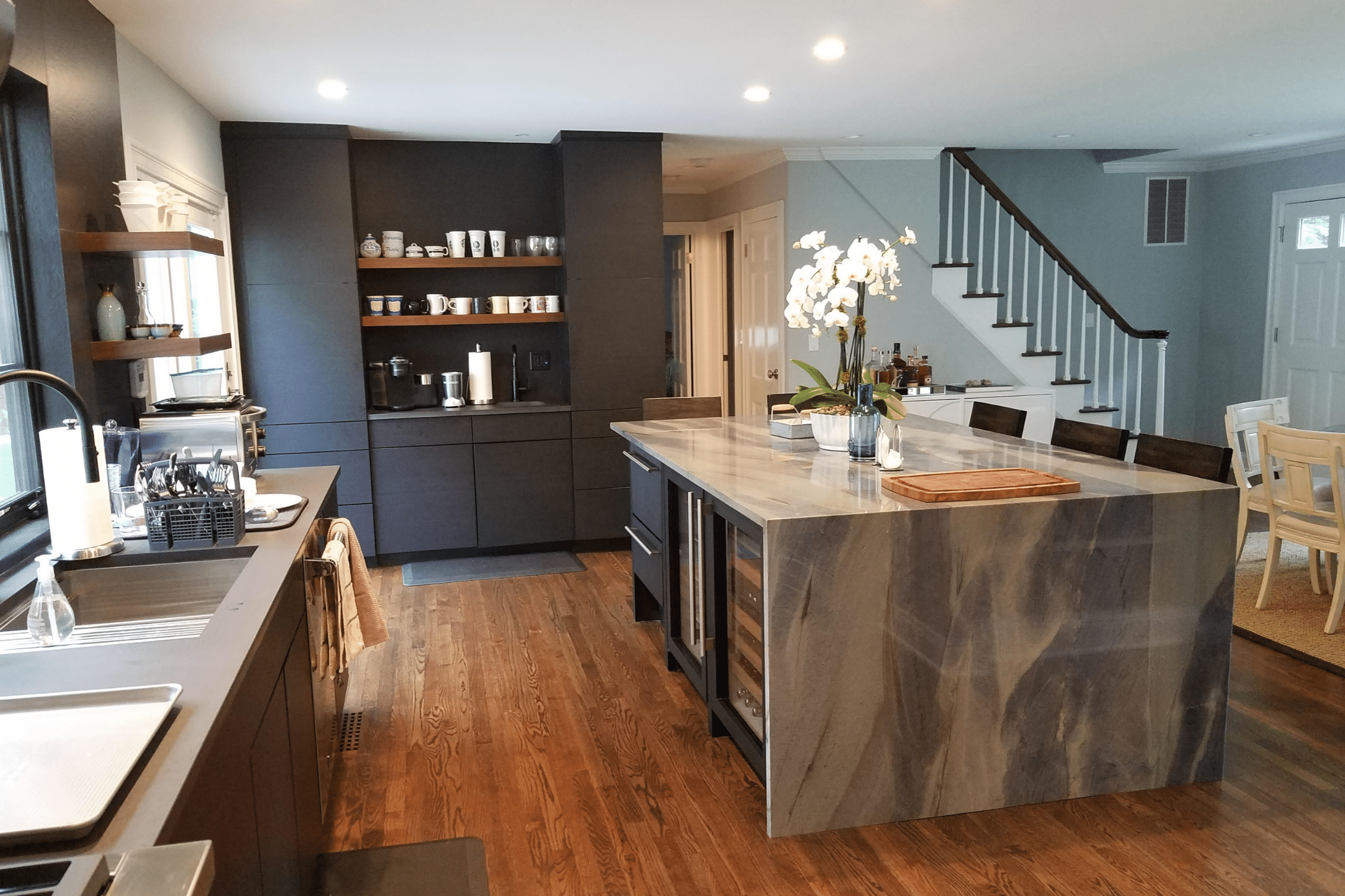 Flow Area Between Kitchen and Living Space